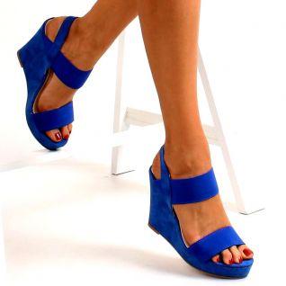 Sandale compensée bleu roi