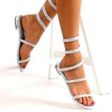Sandales plates argentées à strass