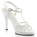Sandales blanches vernies à brides