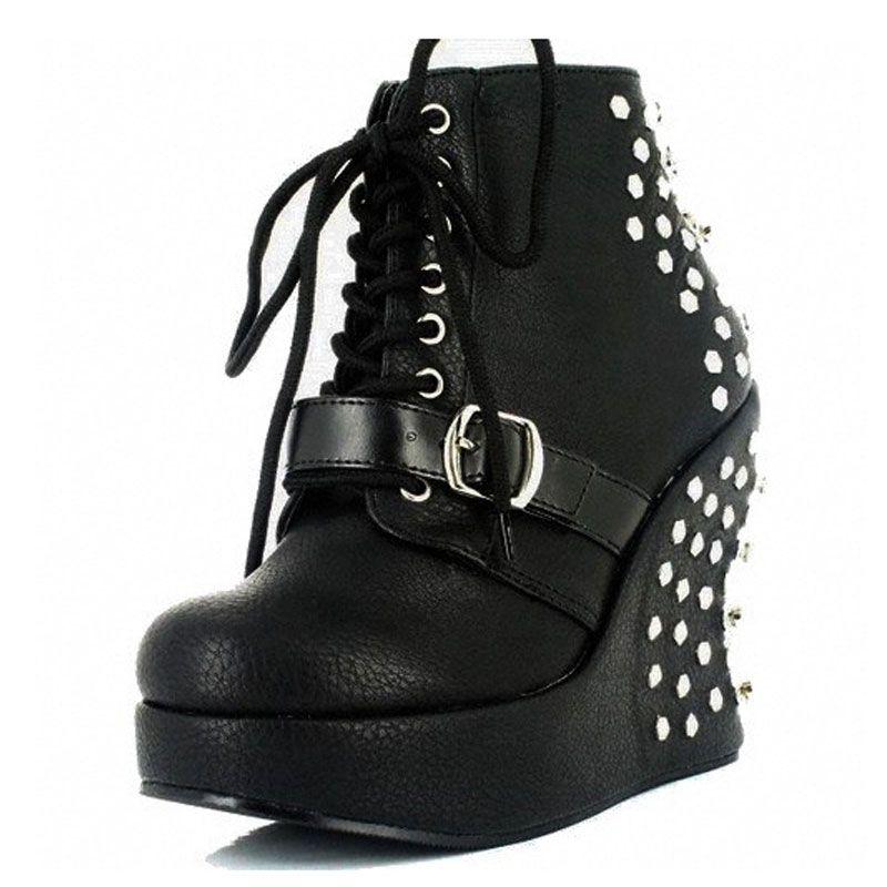 Acheter bottines gothiques cuir noir à clous punk