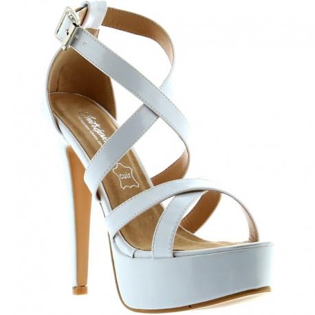 Sandales blanches vernies