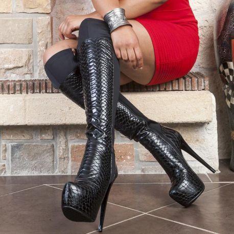 chausser des bottes noires talon haut