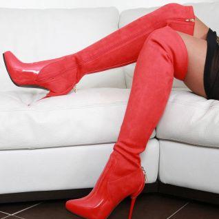 marcher en cuissardes rouges