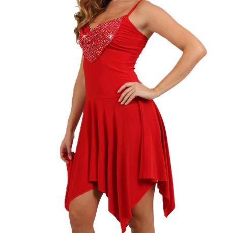 femme en robe rouge sexy