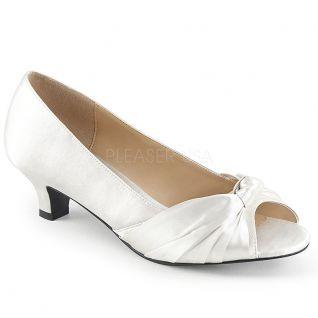 Chaussures en satin ivoire petit talon