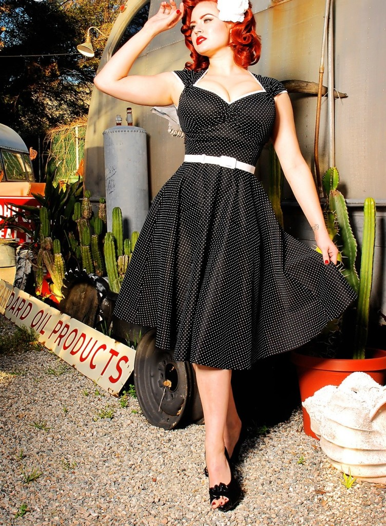 robe pinup noire