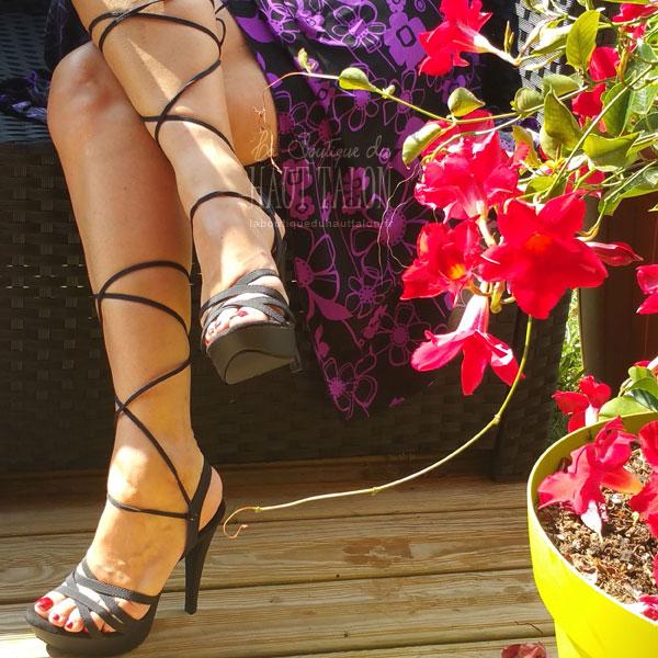 Chaussures à lacet style spartiates noires vernis à talon haut