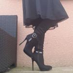 genouilleres noires haut talon