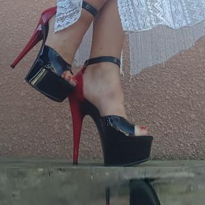 delight-617 sandales noire et rouge